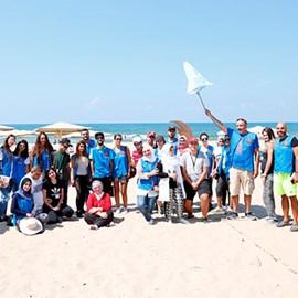 Interns Full of Volunteering